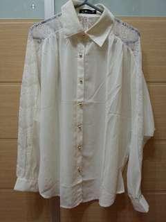 米色喱士衫