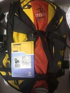 Deuter bag include Camelbak 1litre water bag