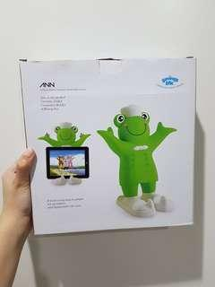 Tablet Holder (Frog Design)