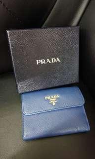 購至法國 90%新 Prada Wallet / 藍色