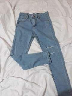 Highwaist skinny tattered jeans