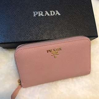 ddce0192aa897d prada saffiano wallet | Luxury | Carousell Philippines