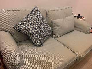 2 人坐休閒沙發
