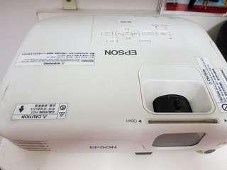 EPSON EB-S02  Affordable SVGA projector
