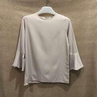 Basic blouse/ Flare sleeves