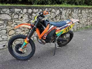 KTM EXC 300 with Lectron Carb