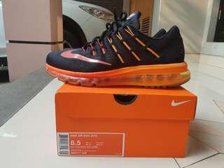 Nike air max size 42. Like new. Box lengkap.original