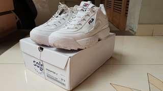 Fila disruptor 2. Size 9T / 42.5. Original.like new