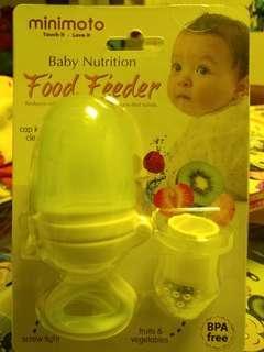 Minimoto food feeder