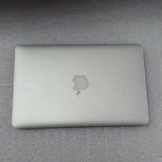 """$799 Apple MacBook Air 11"""" 2014 Preowned Intel Core i5 @ 1.4Ghz with Intel HD Graphics 5000"""