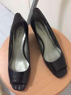 Authentic Bandolino Black Shoes