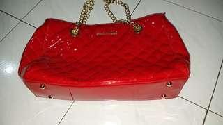 Female Handbag w/ chain-like strap