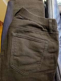 Uniqlo 男裝黑色牛仔褲