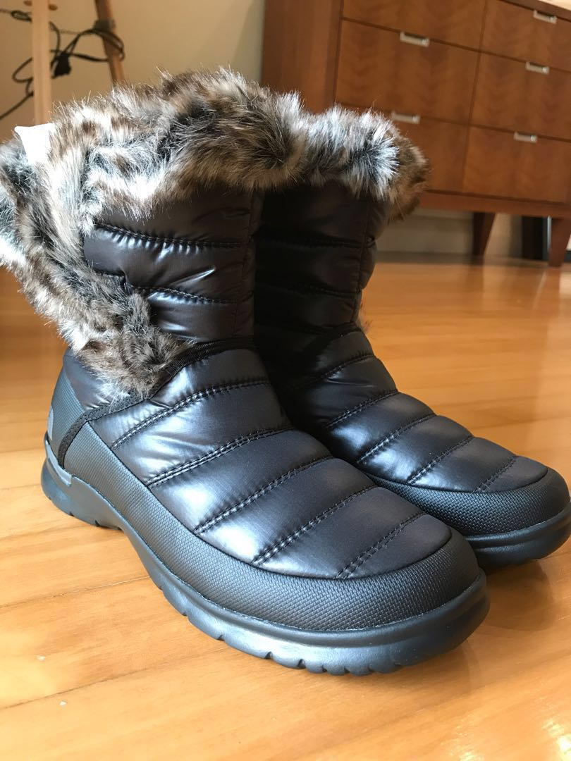 711e7cb57 Brand new with box The North Face snow boots