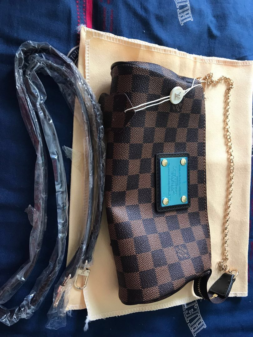 077a4aa982ce Clutch and sling bag