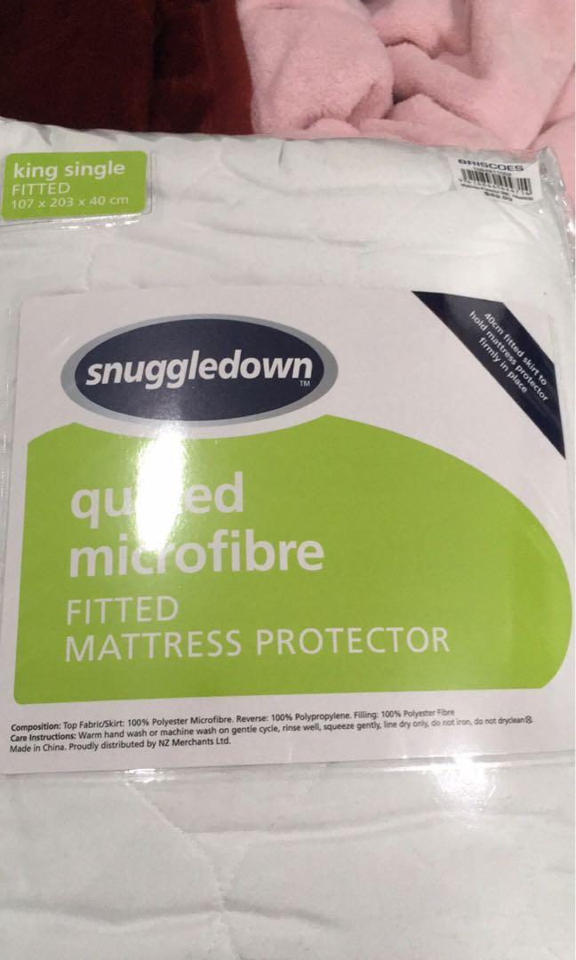 Fitted mattress protector - KS