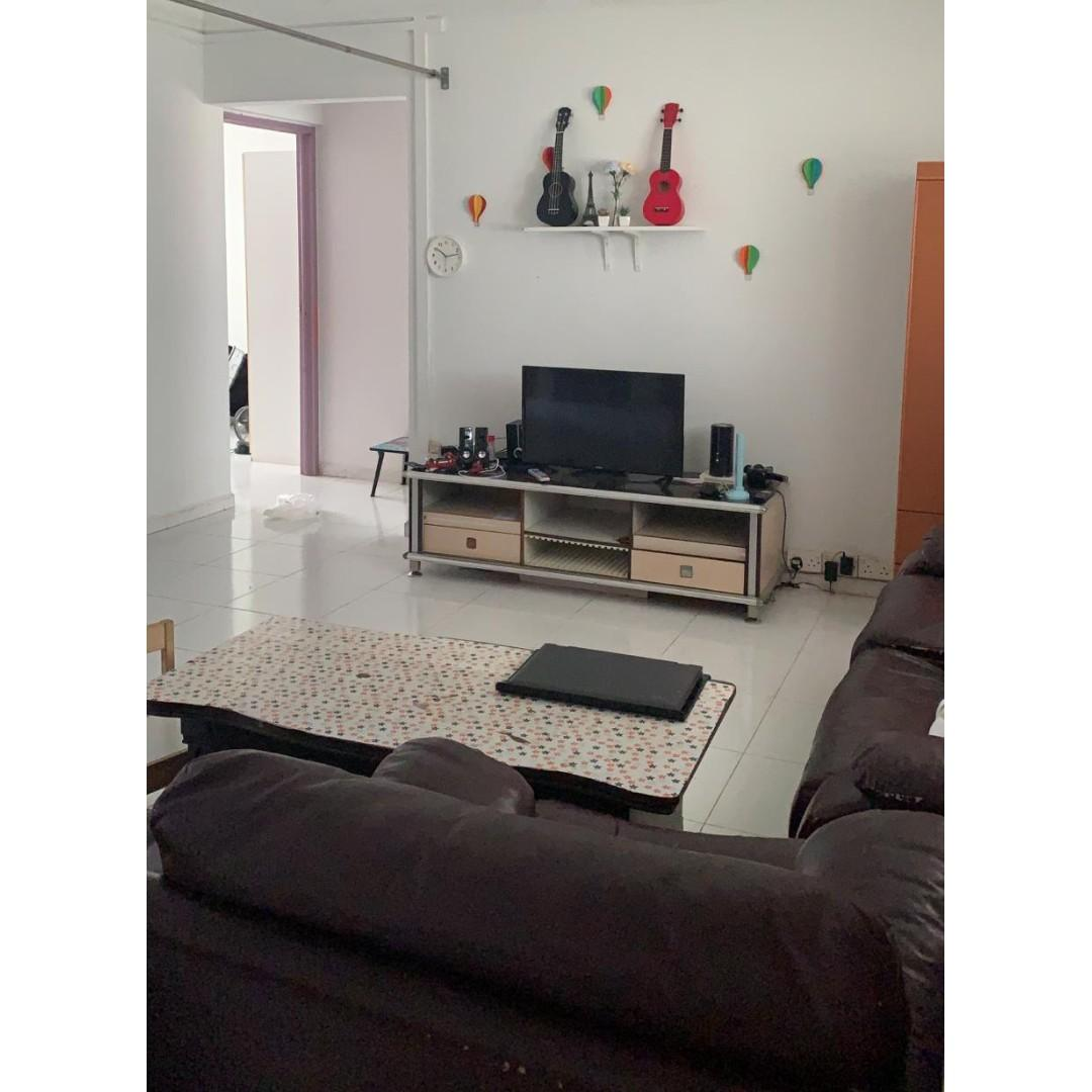 Fully Furnished With Aircon , Spacious 4 Room HDB Near