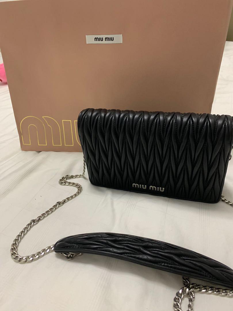 Miu Miu sling or clutch bag authentic -Borsa port matelasse nero tu ... 9782137e58