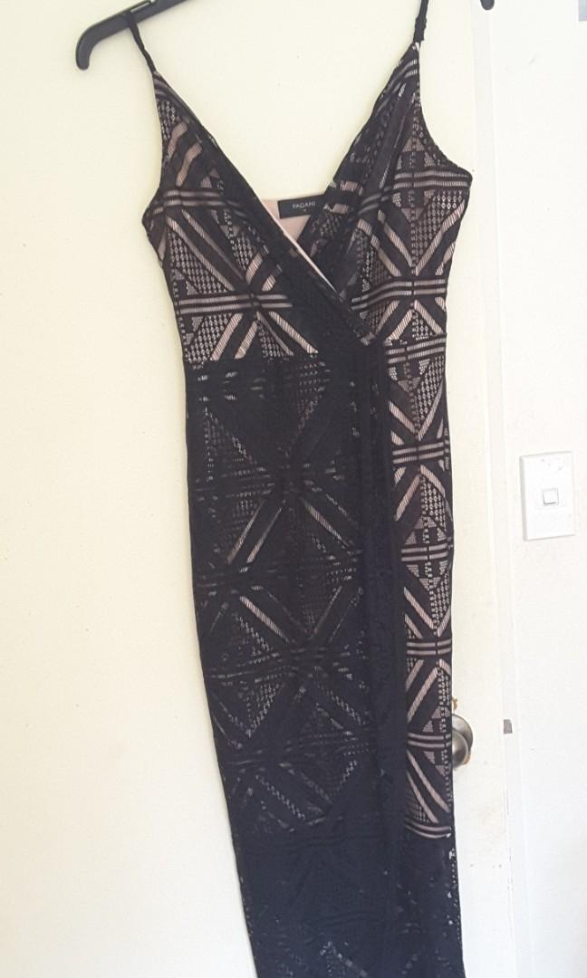 Size 10 pagani black lace full length dress never been worn