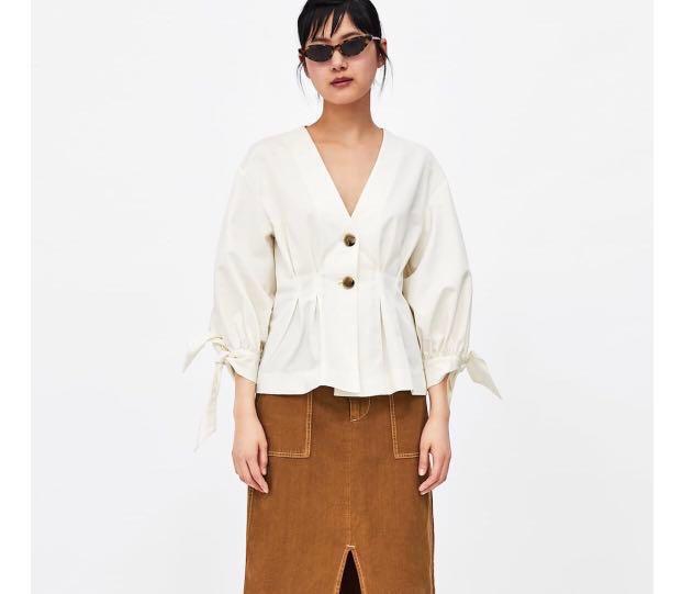 dbc41a5ff1435b ZARA pleated blouse