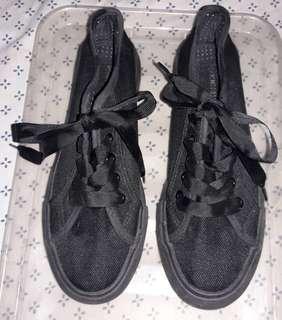 Springfield black canvas sneakers
