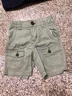 Baby GAP green shorts Bermuda - 2t