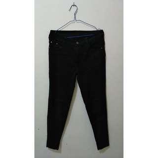 h&m black jeans - btm. 028