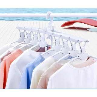 Gantungan baju modern