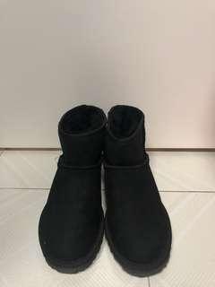 UGG 毛毛鞋