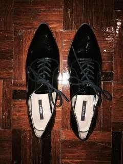 Forever 21 patent pointed oxford shoes