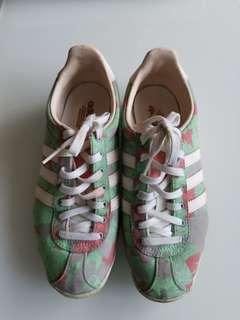 Adidas Flora Gazella Sneakers