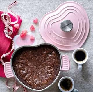 Le creuset heart shape dish with lid