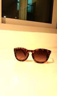 Cool leopard print sunglasses