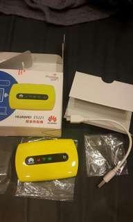 🚚 華為 e5221 3G 分享器 隨身熱點機 (最後一台)