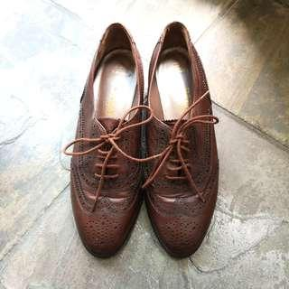 Bally Leather Oxford Shoes