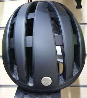 Helmet Brooks Harrier black