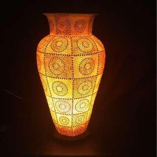 Decorative art table lamp