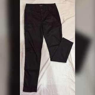 Black Pants for ₱200 ONLY
