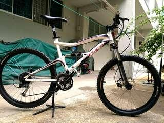 GT Sensor 4.0 full suspension,  size M