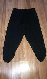 3/4 black trackies