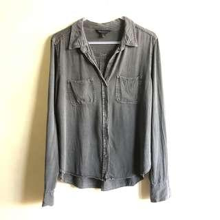 Rock and Republic black chambray top