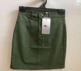 TEMT army green/khaki skirt (bnwt)
