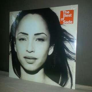 LP Sade. Best of 2LPs. Piring hitam. Vinyl. Record. EU