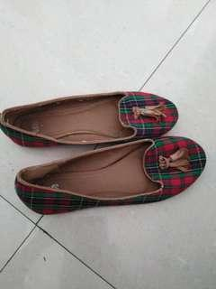 Checked flat shoe
