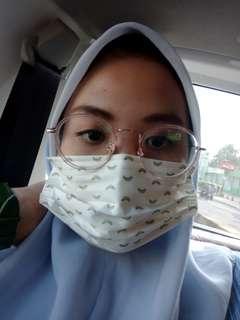 #bersihbersih kacamata pink
