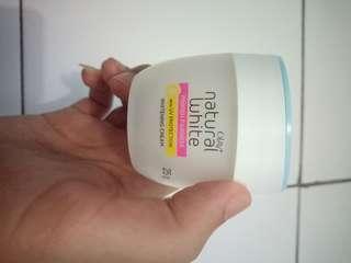 Olay natural white pinkish white