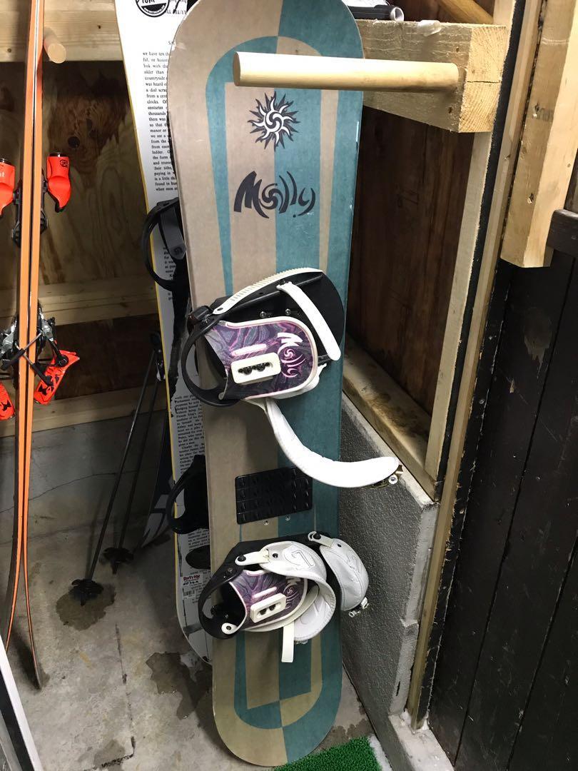 139cm molly snowboard + burton molly snowboard binding