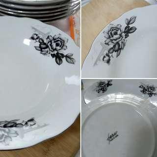 Vintage Bunga Jambatan Plates