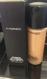 Foundation Mac shade 1.5,3,4