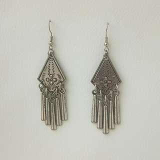 2pcs Silver Earrings